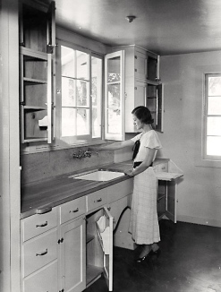 1935 kitchen