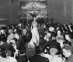 Perino's on September 21, 1953, where I. Magnin presented the special showing sponsored by the Opera Committee of the Southern California Symphony Association