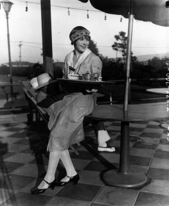 waitress 1920