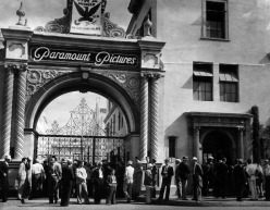 lock out paramount