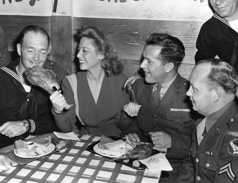 Reprise Thanksgiving At The Hollywood Canteen With Dinah Shore