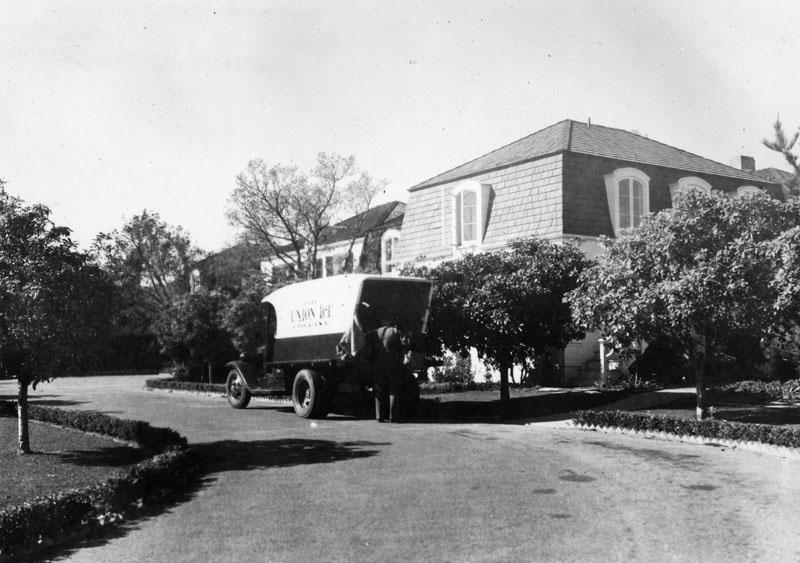 Constance Bennett residence