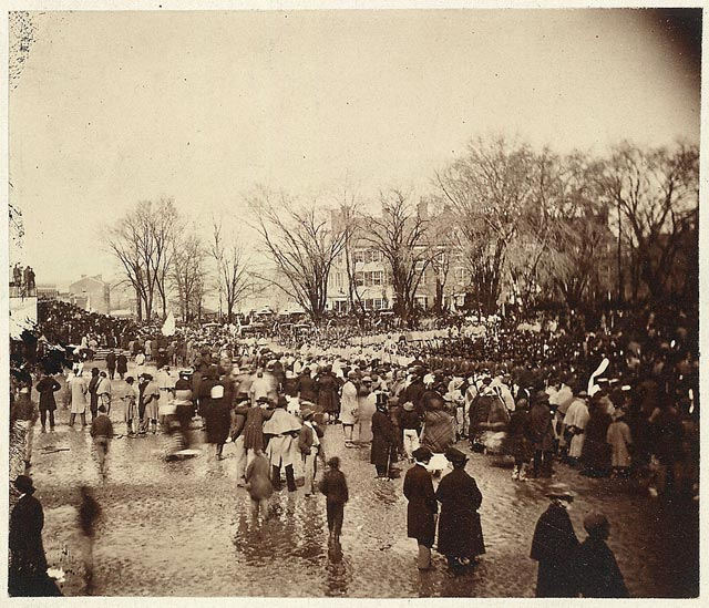 crowd gathers for Lincoln's 2nd inauguration
