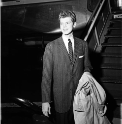 Van Cliburn arrives in Los Angeles in 1958 for performance at the Hollywood Bowl. USC Digital Collection