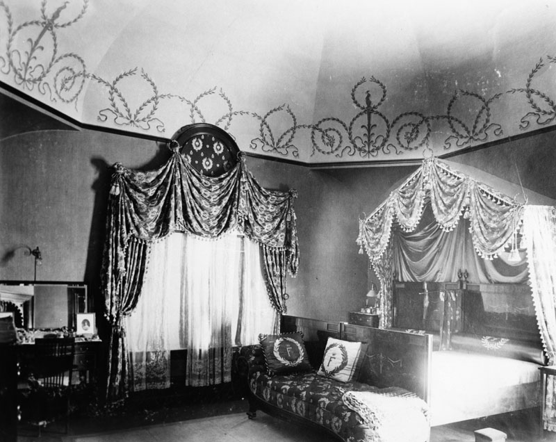 bedroom feynes