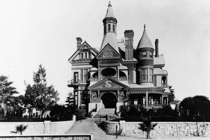 Bradbury Mansion