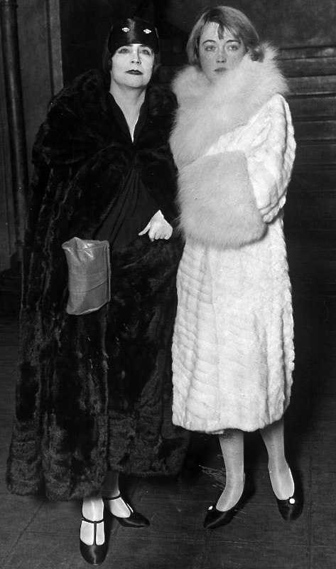 1927 Elinor Glyn and Marion Davies
