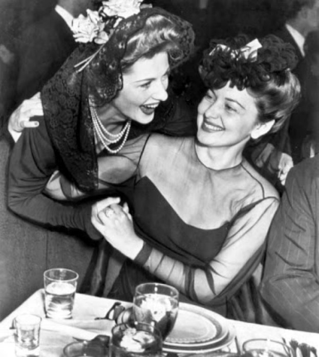 Joan Fontaine And Olivia De Havilland The Sisters In
