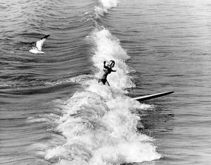 photo bruce e howell 1968 kim hoeppner surfing