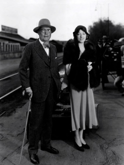 1930 Marian Davies and her father, Judge Douras
