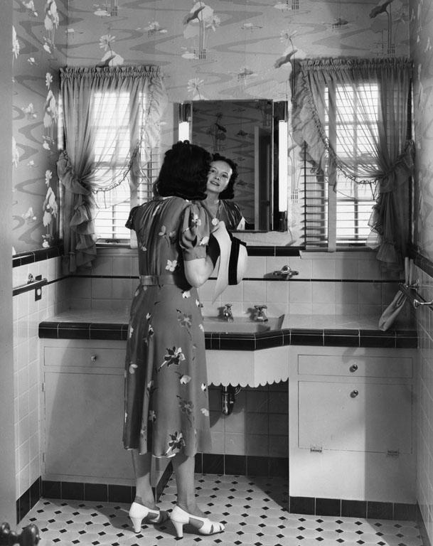 bathroom photo by Art Streib