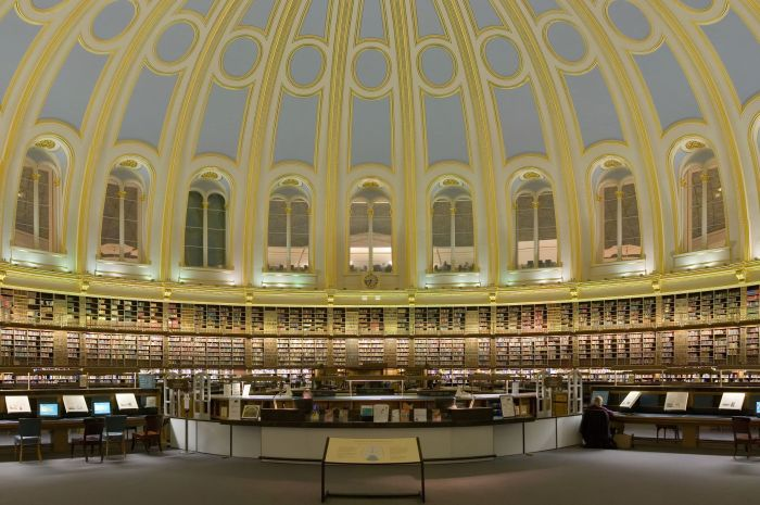 British_Museum_Reading_Room_Section_Feb_2006