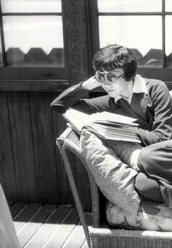 claudette colbert reading