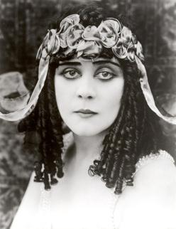 Bara, Theda (Cleopatra)_01