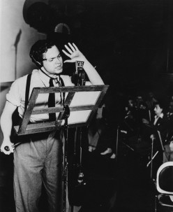 orson-welles-directing+on+CBS