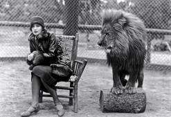 Greta Garbo and Lion