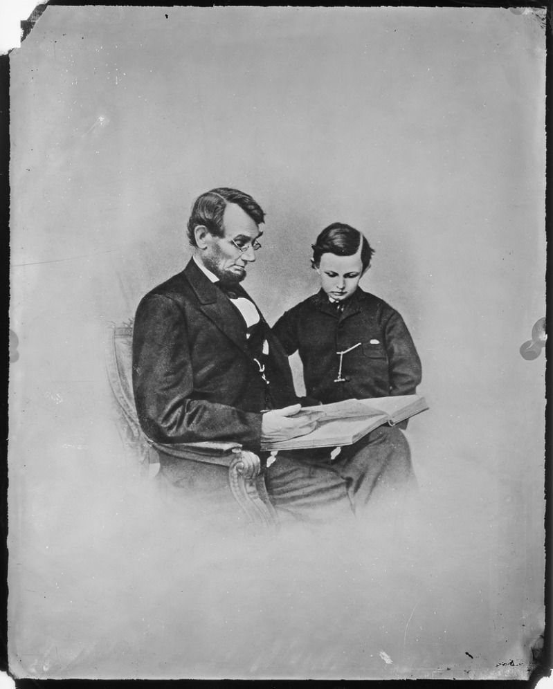 lossy-page1-822px-President_Abraham_Lincoln_and_Tad_Lincoln_-_NARA_-_526284.tif