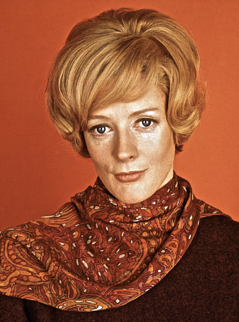 Before she was the Dowager Countess, Maggie Smith won an Oscar, for