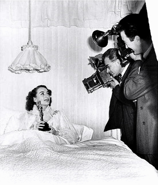wins for Mildred Pierce