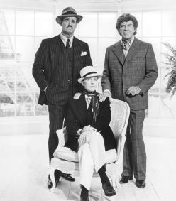 still-of-julie-andrews,-james-garner-and-robert-preston-in-victor-victoria-(1982)