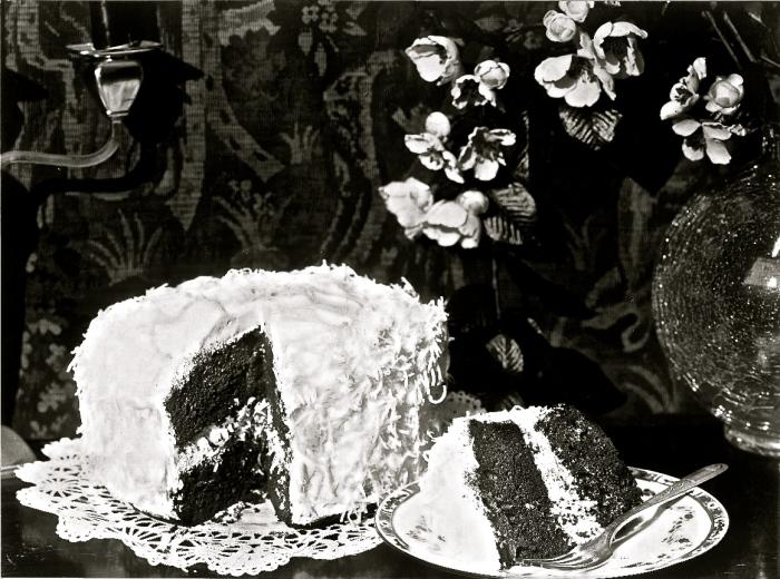 Alfred+Cheney+Johnston+%7E+Cake%2C+ca.+1920