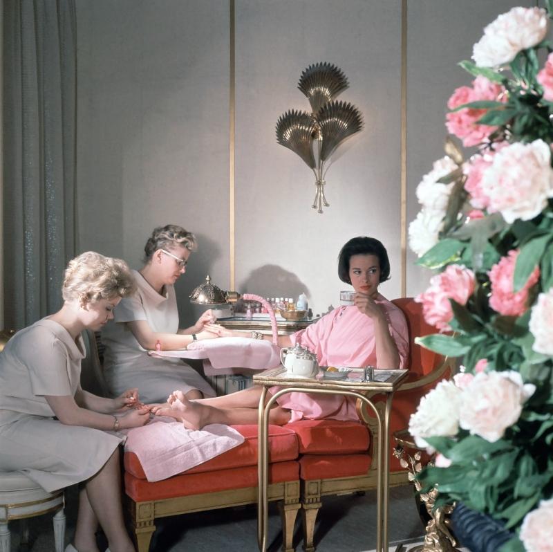 gloria vanderbilt by horst 1961