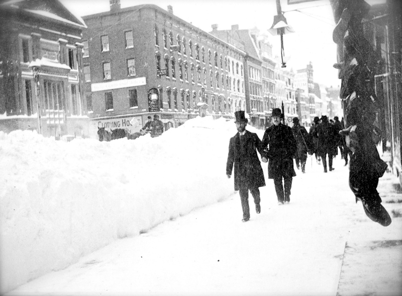 Blizzard-of-1888-Broadway