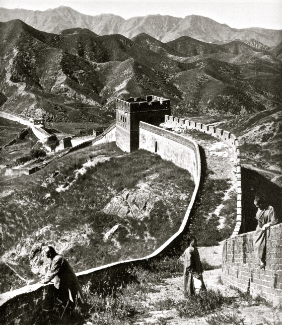 1907, The Great Wall, photo by Herbert Ponting (1870-1935)