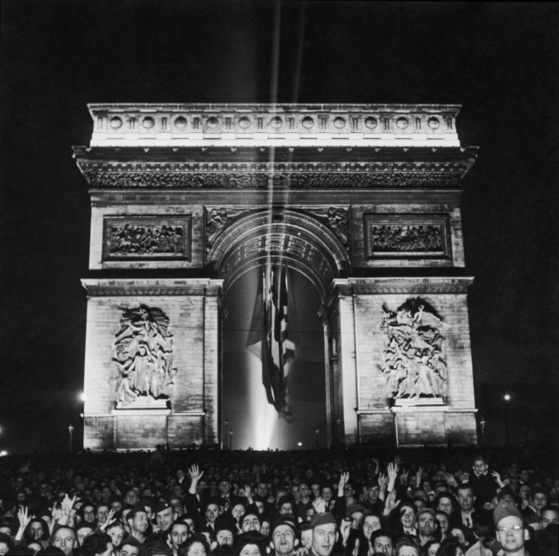 Ralph Morse:LIFE:liberation of Paris