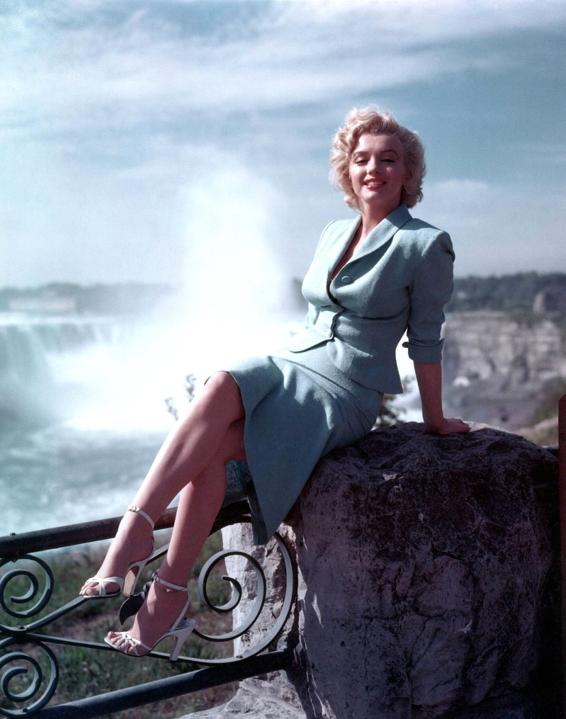 Marilyn Monroe Living Room Decor: Frozen Niagara Falls… 2015 And 1875… And Thawed In