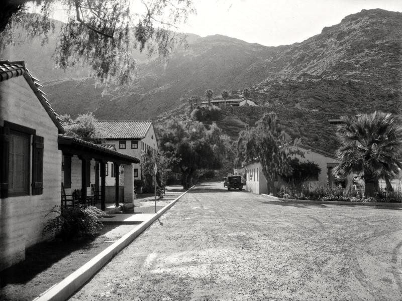 desertinn1930