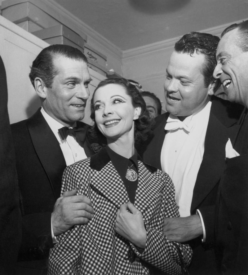 Vivien-Leigh-and-Laurence-Olivier-vivien-leigh-12245979-1301-1444