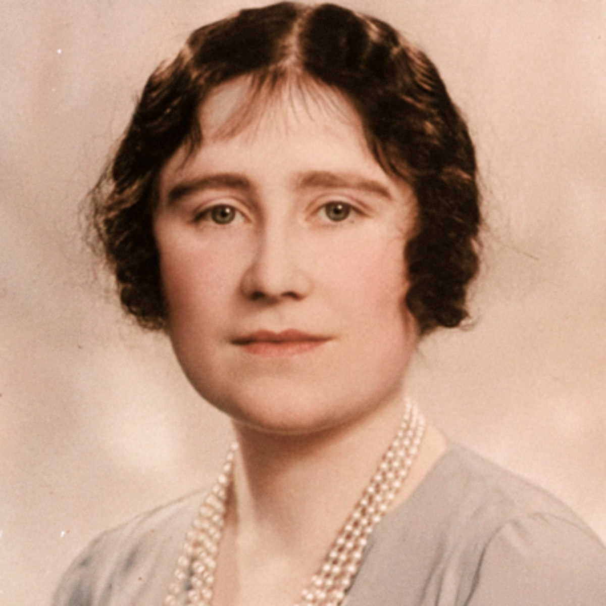 Counting Ones Blessings: The Collected Letters of Queen Elizabeth the Queen Mother