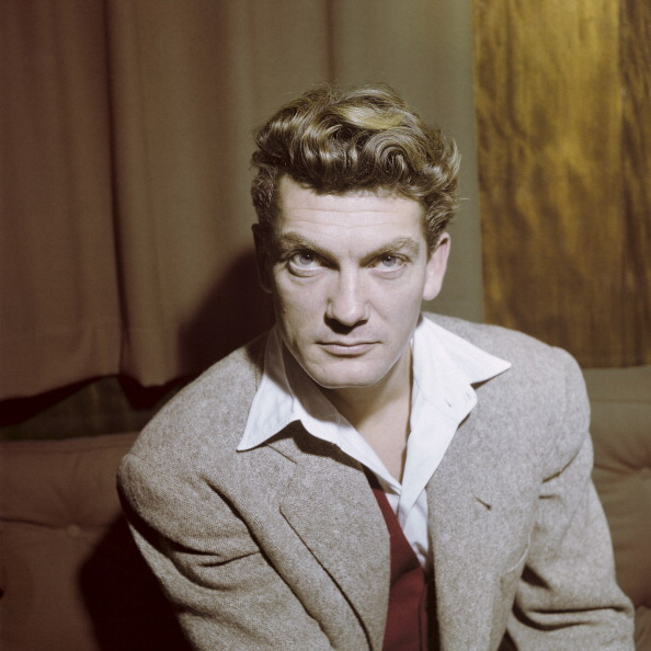 Rendezvous With Jean Marais. En novembre 1949, portrait de l'acteur Jean MARAIS en veste grise et gilet rouge. (Photo by Walter Carone/Paris Match via Getty Images)