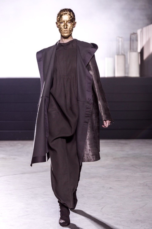 Rick Owens Ready to Wear Fall Winter 2015 fashion show in Paris