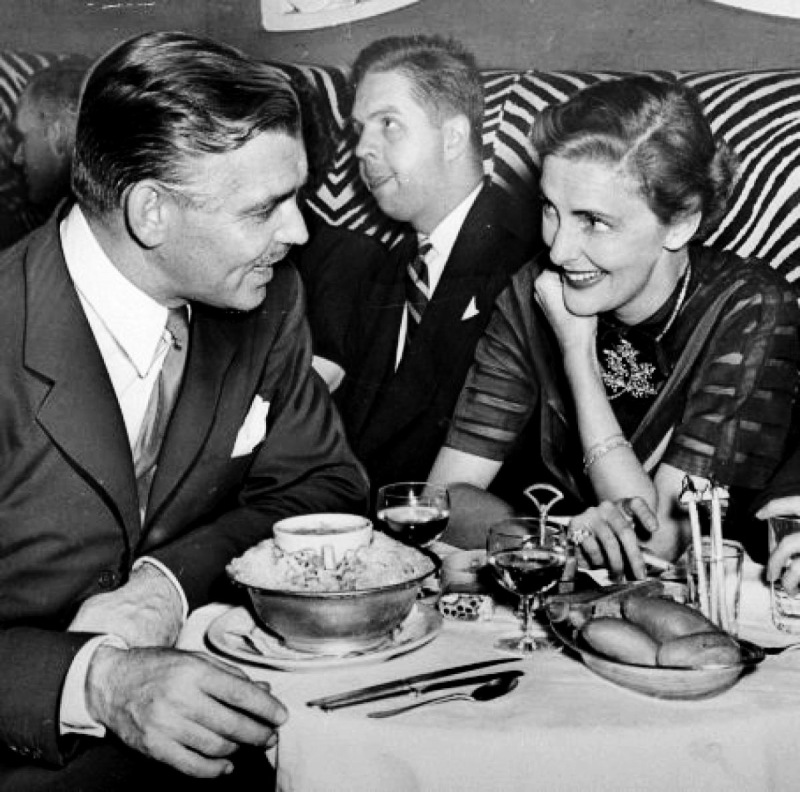 Clark Gable and Nancy Hawks at El Morocco (1948)