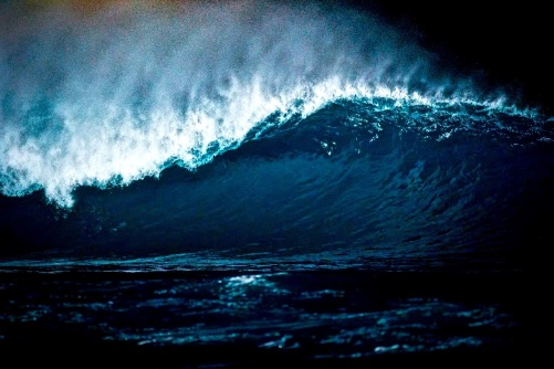 pipeline_night_wave_surfing_oahu_