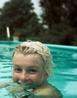 Marilyn Monroe photographed by Milton H. Greene, Connecticut (1955)