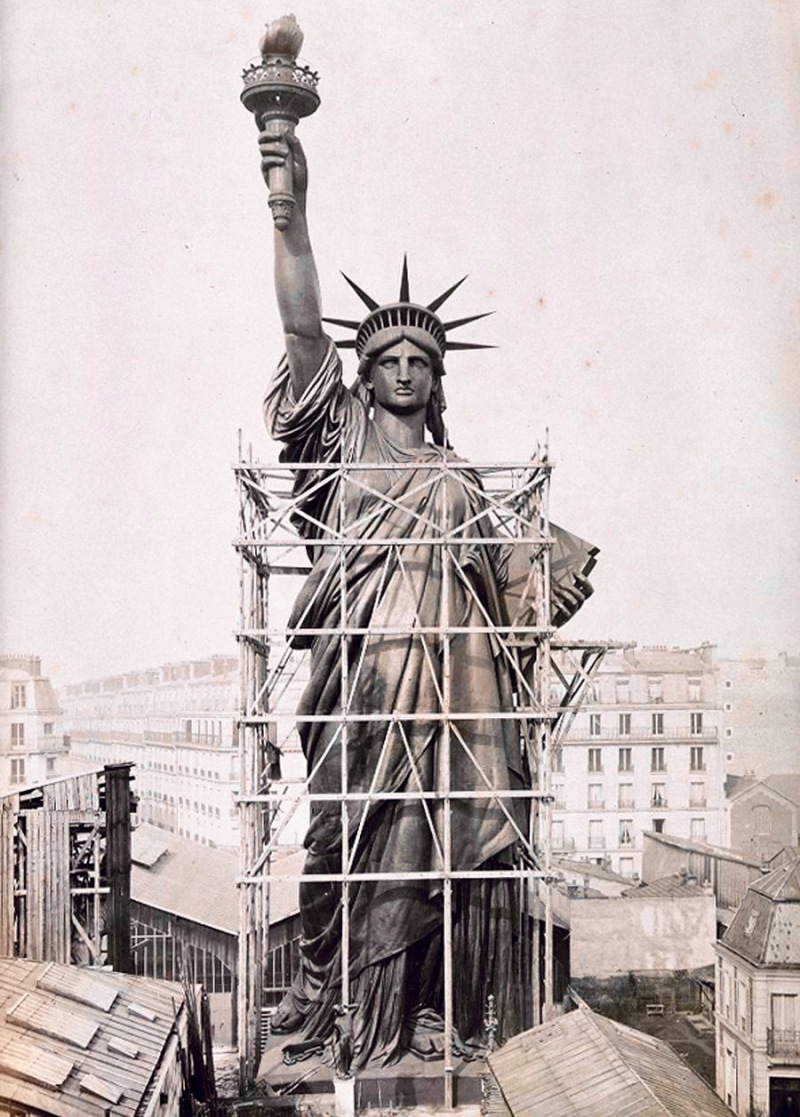 statue of liberty in paris bartholdi